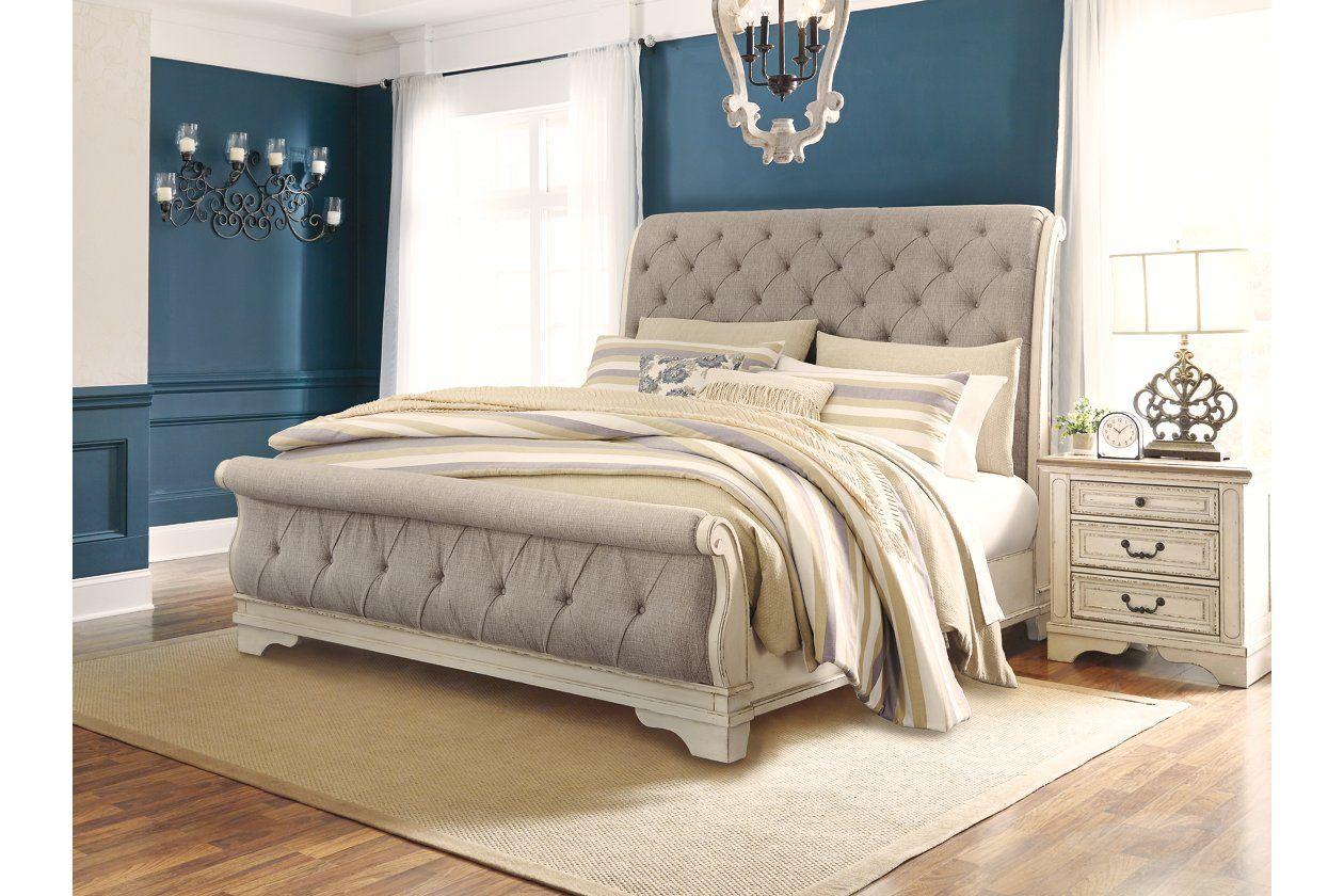 Best Realyn Queen Sleigh Bed In 2020 With Images Queen 640 x 480