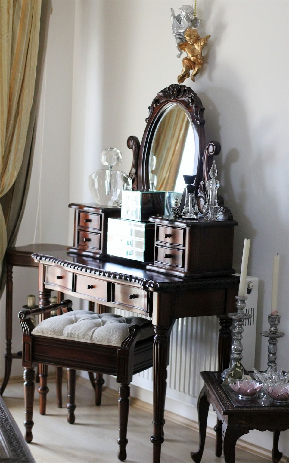 Vanity interioroutdoor design ve d mekan tasarm vanity but could be a gorgeous writing desk for library geotapseo Choice Image