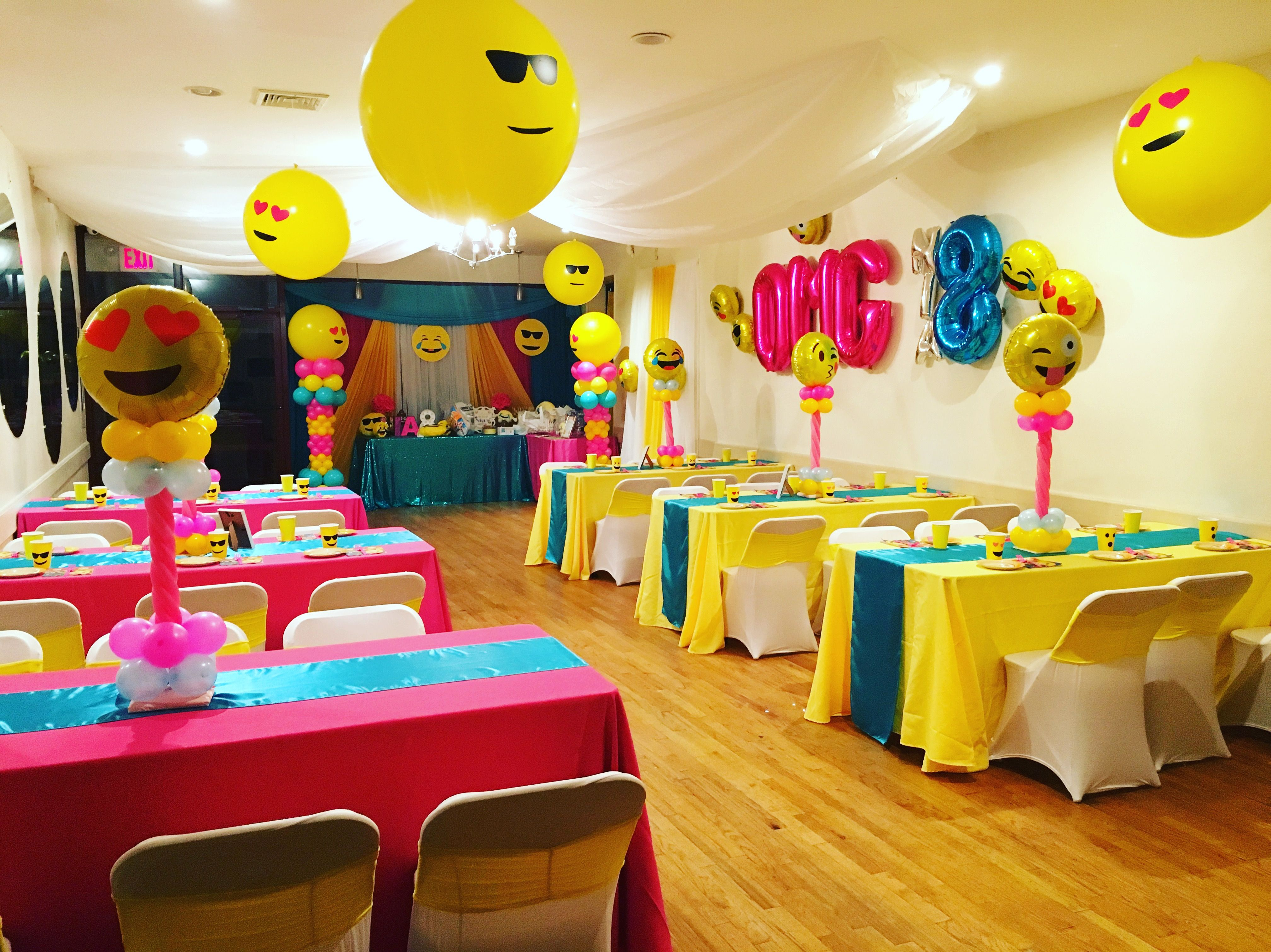 Emoji Room Decor Balloons And Centerpieces