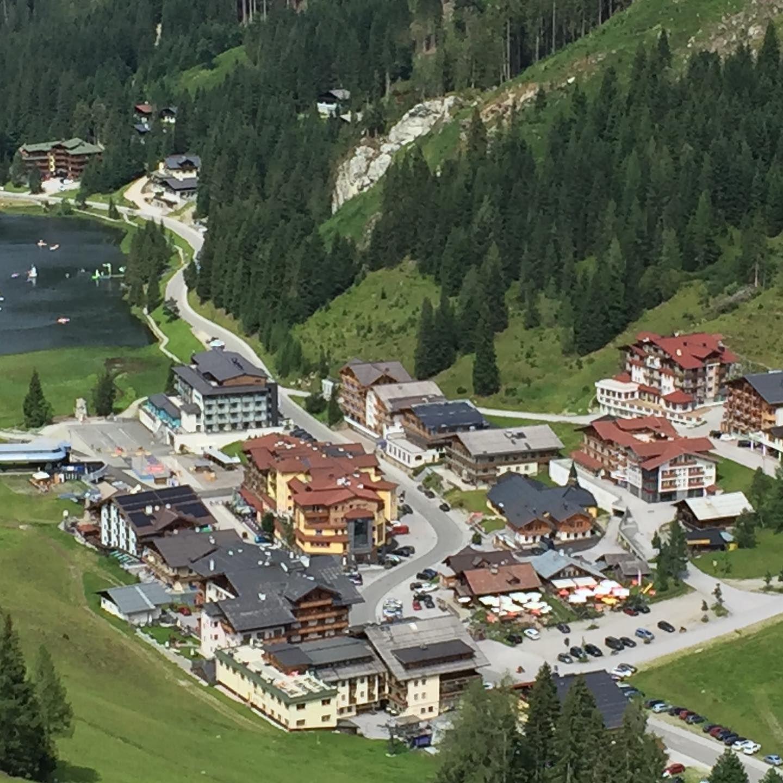 Zauchensee Salzburger Hof Immer Eine Reise Wert In 2020 House Styles Mansions Golf Courses