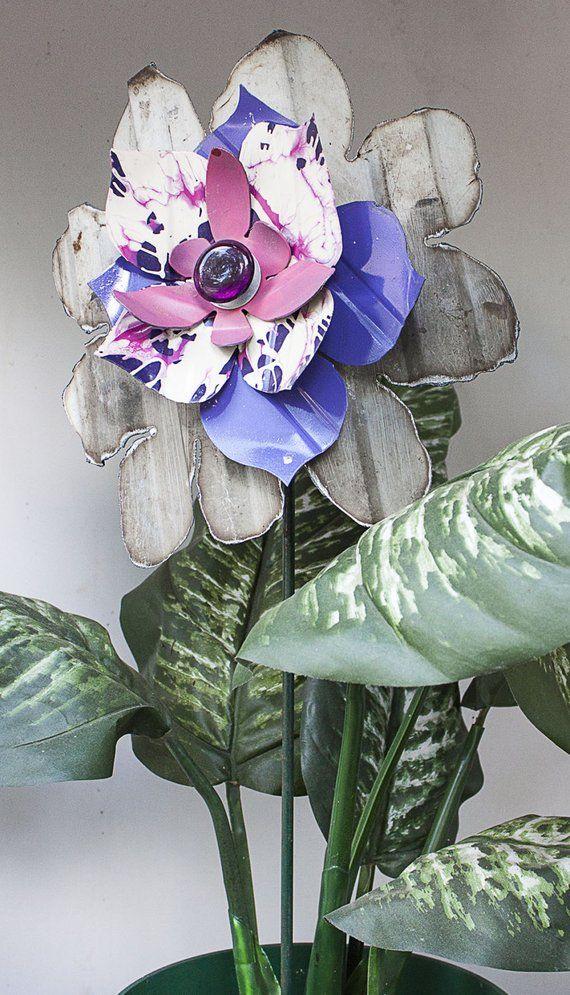 Metal Yard Art Garden Flower Stake Patio Decor Indoor 640 x 480