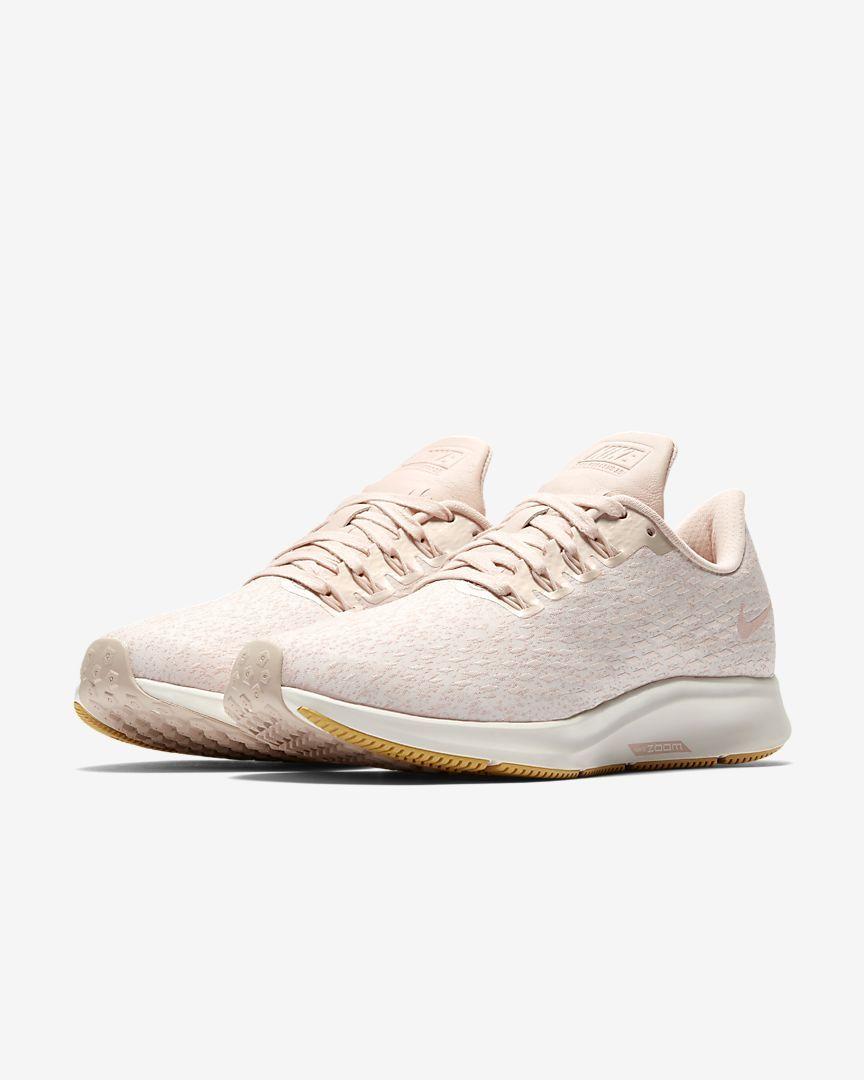 467ffac2 Женские беговые кроссовки Nike Air Zoom Pegasus 35 Premium. Nike.com ...