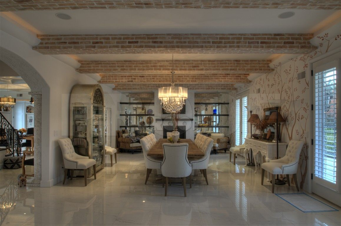 Michael Thronson Masonry Thin Stone Veneer Projects And: Ultra Modern And Country Marry! THe Beams Are Covered In
