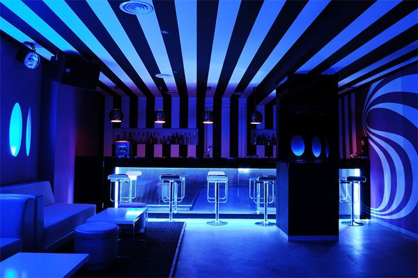 Nightclub with clean lines and furniture | Great Design Elements ...