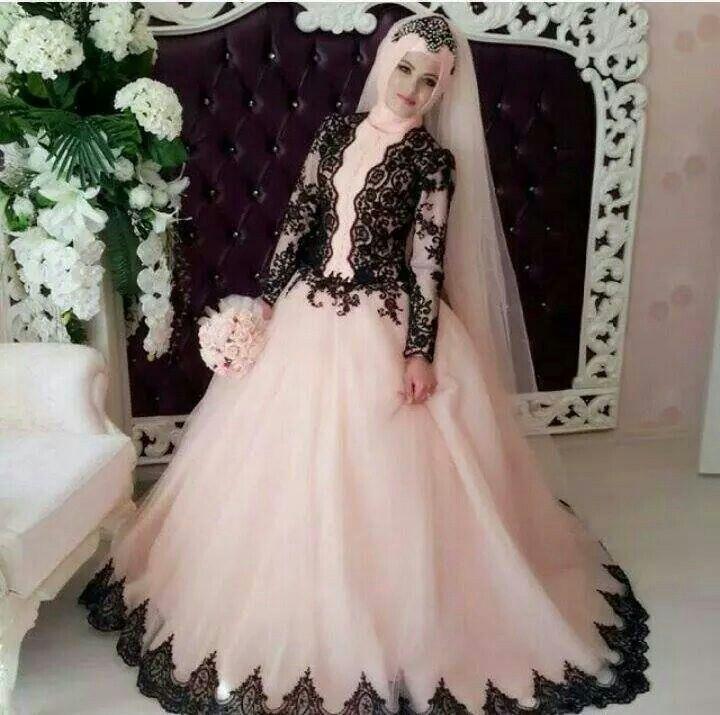 White Wedding Dresses 2016 Arabic Style Hijab Pink Tulle Black Appliques Muslim Empire Long