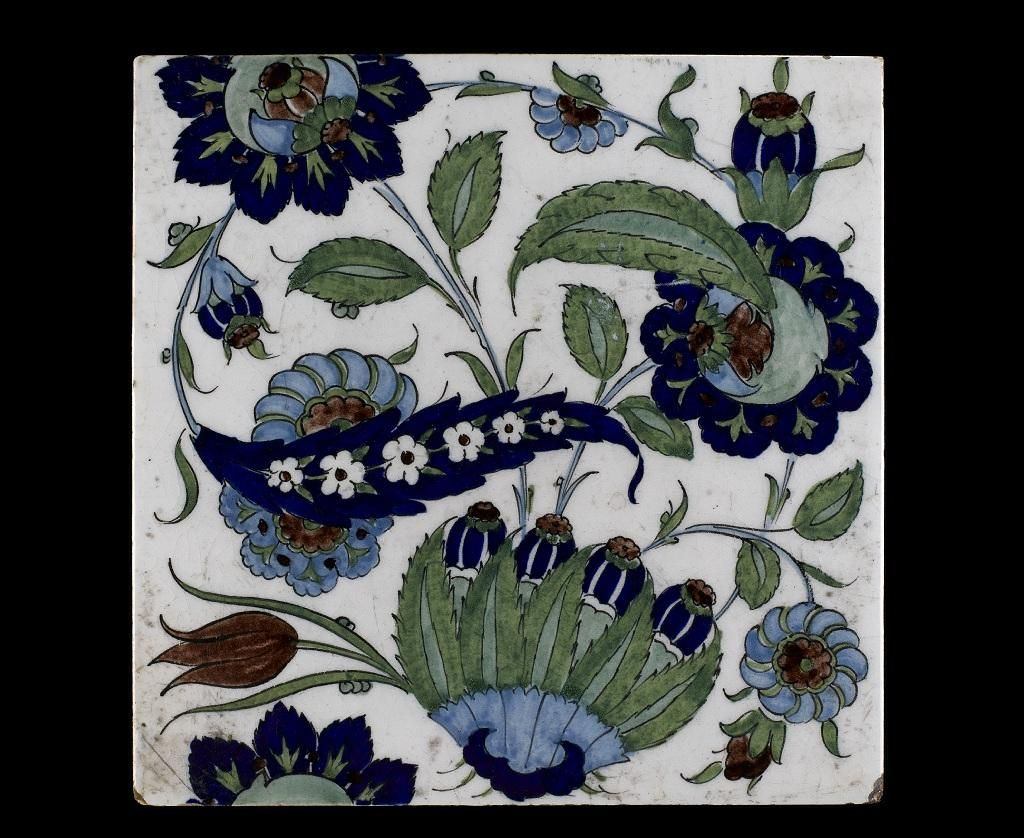 Tile with foliage in Turkish style by Cantagalli, Florence