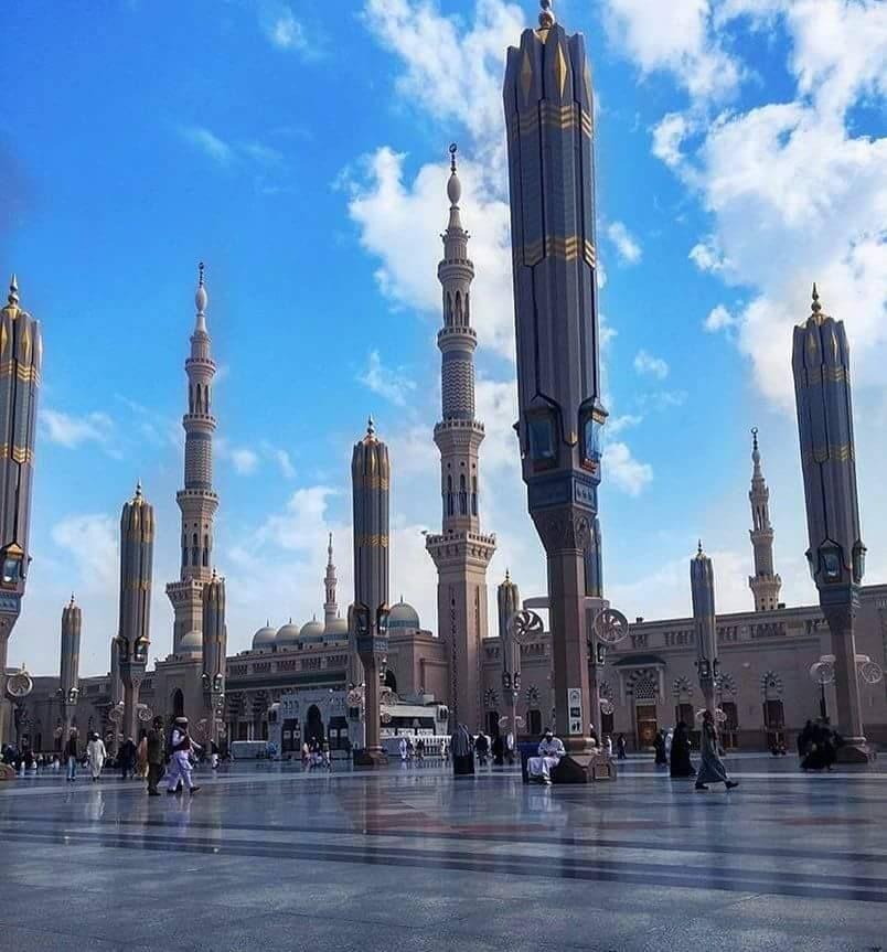 اشتقت إلى فجر المدينة المنورة اللهم ارزقنى وإياكم صلاة الفجر قريبا فى المسجد النبوى New York Skyline Green Dome Skyline