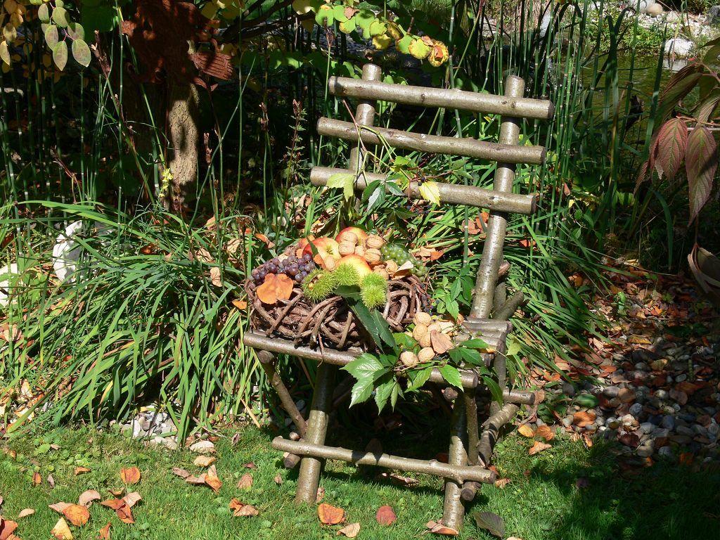 Herbstlicher stuhl wohnen und garten foto deko - Wohnen und garten foto ...