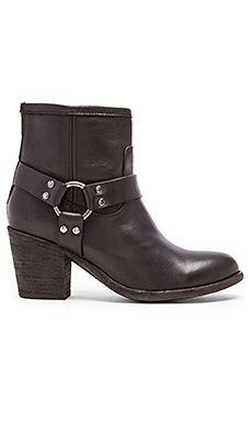 Tabitha Harness Short Boot