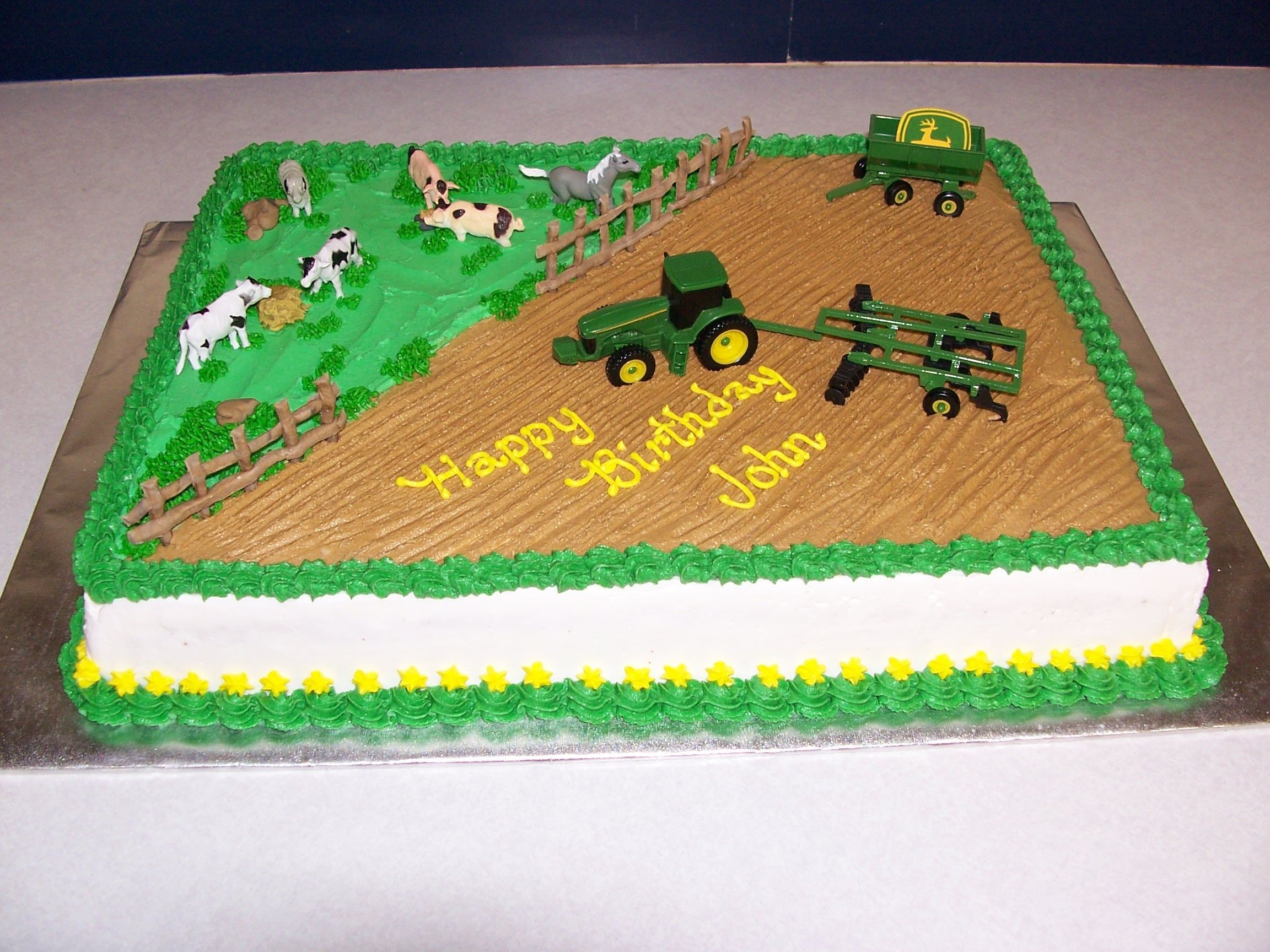 John Deere Birthday Cake for a 3 year old Mom furnished the