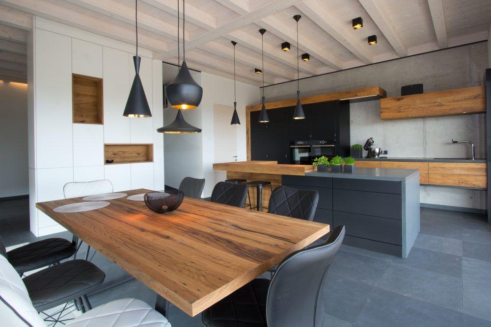 Maßküche schwarz mit Eiche Altholz \u2013 Mauthausen Altholz Küchen - arbeitsplatte küche eiche