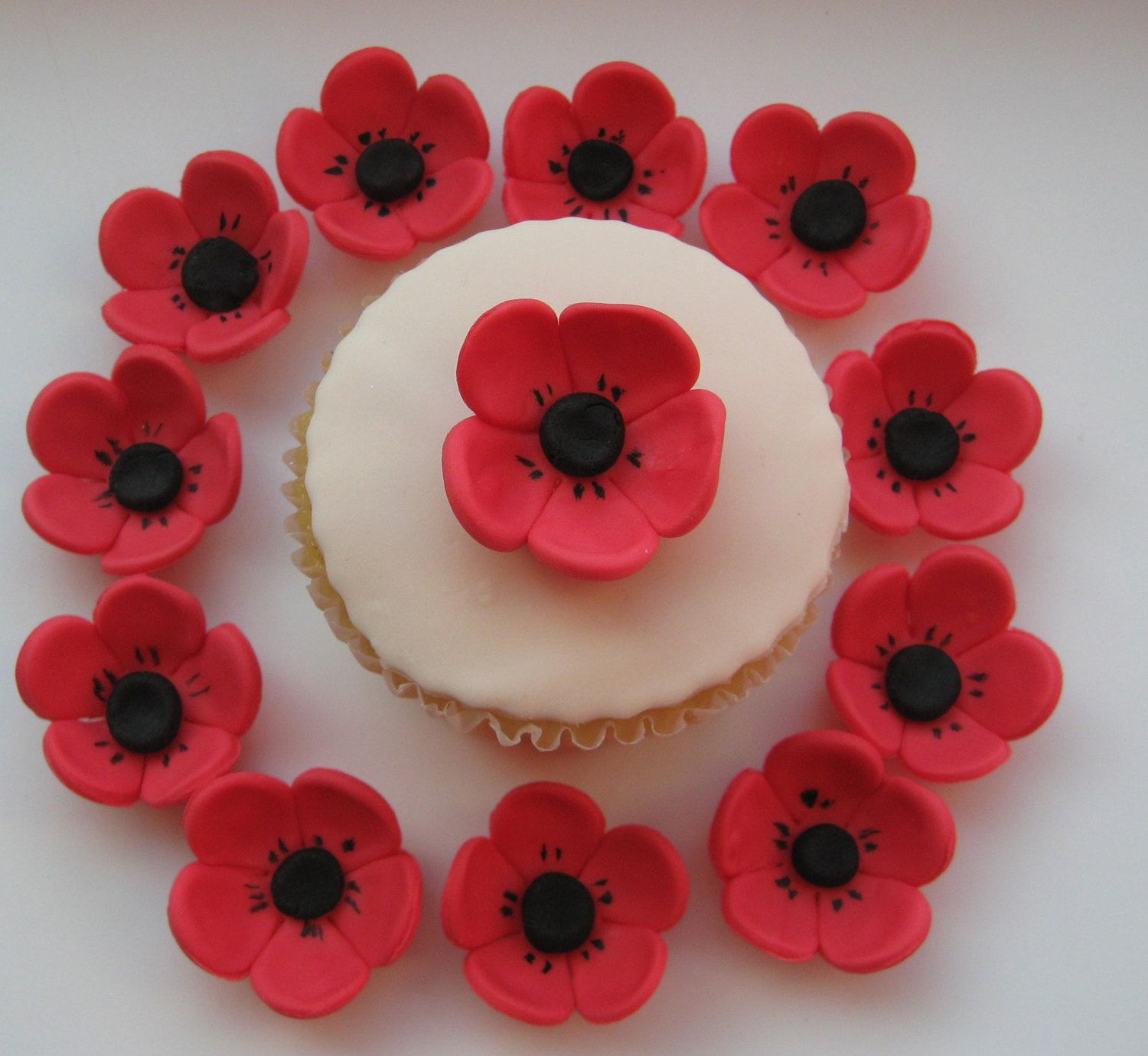 Edible Sugar Icing Red Poppy Flower Cupcake Cake Decorations