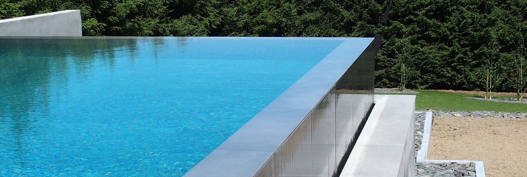 Construction piscine b ton piscine belgique entrepreneur for Construction piscine debordement