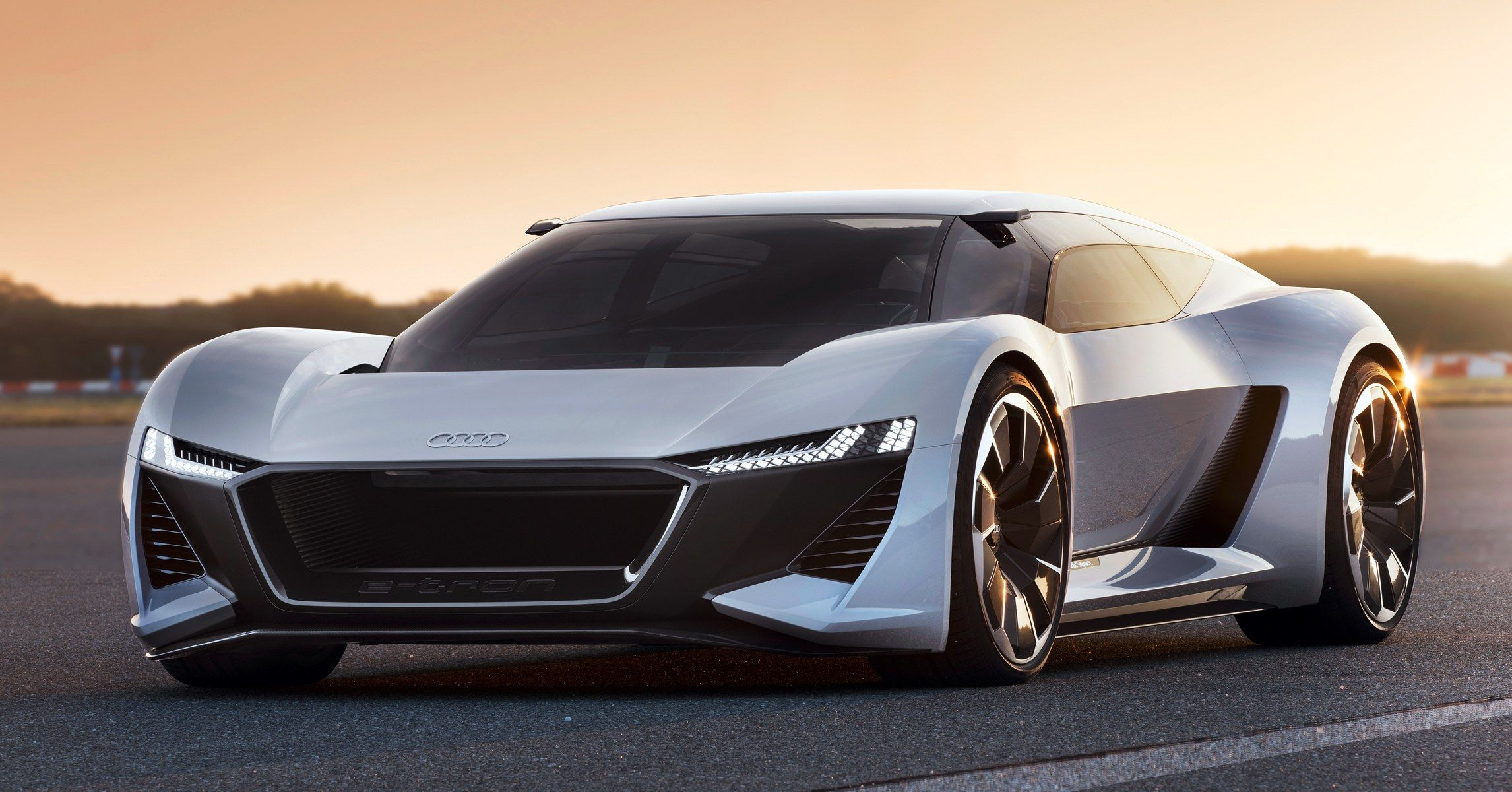 Audi S Blazing Fast Electric Concept Puts The Driver In The Center And Everywhere Else Audi E Tron E Tron Concept Cars