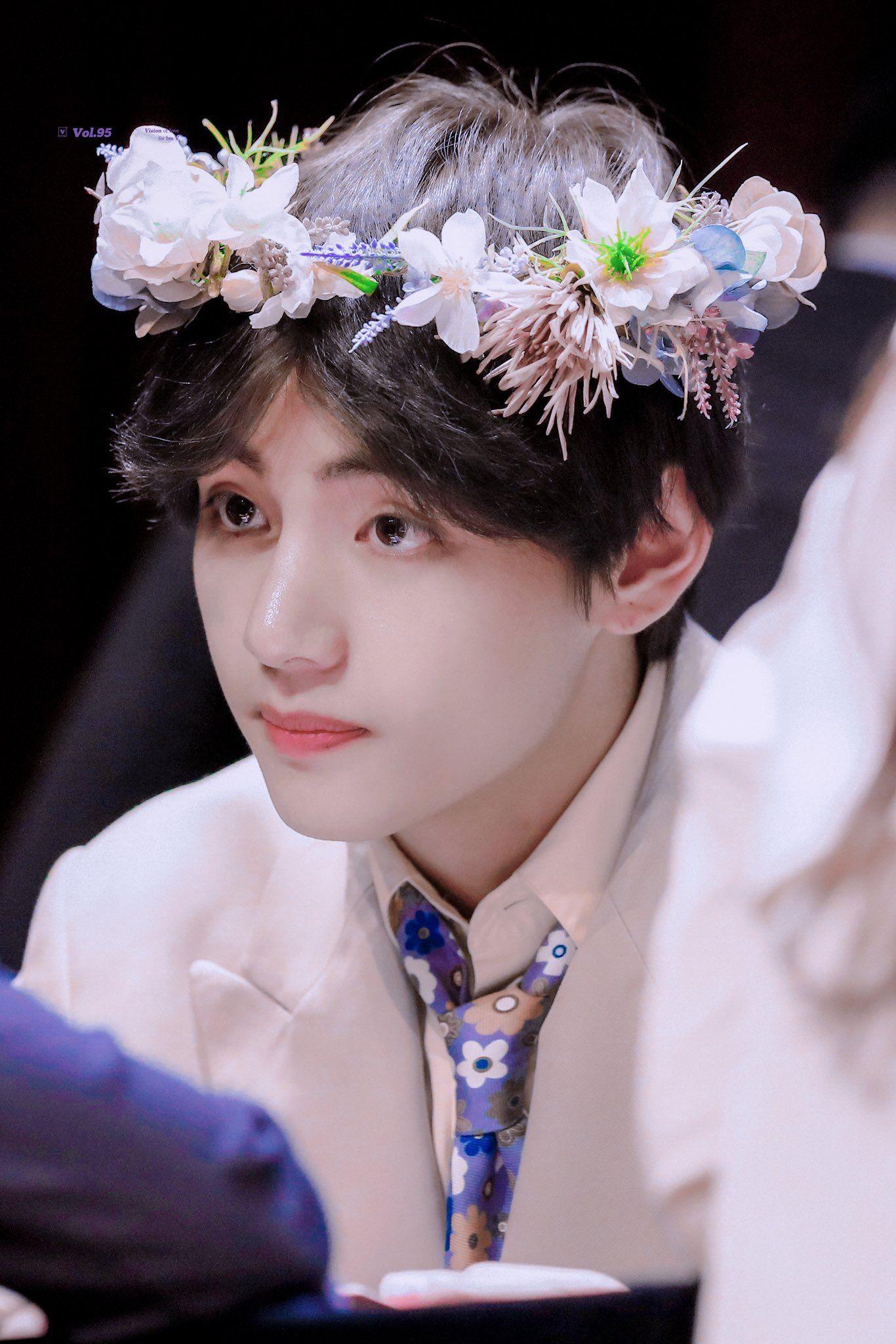 190425 신촌 엠투유 v taehyung kimtaehyung bts 뷔 태형 김태형