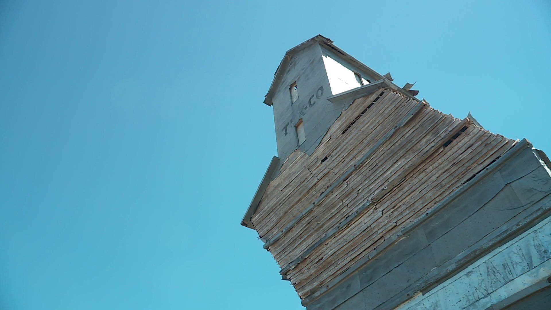 Oklahoma S Leaning Tower The Old Adams Grain Elevator Is In A