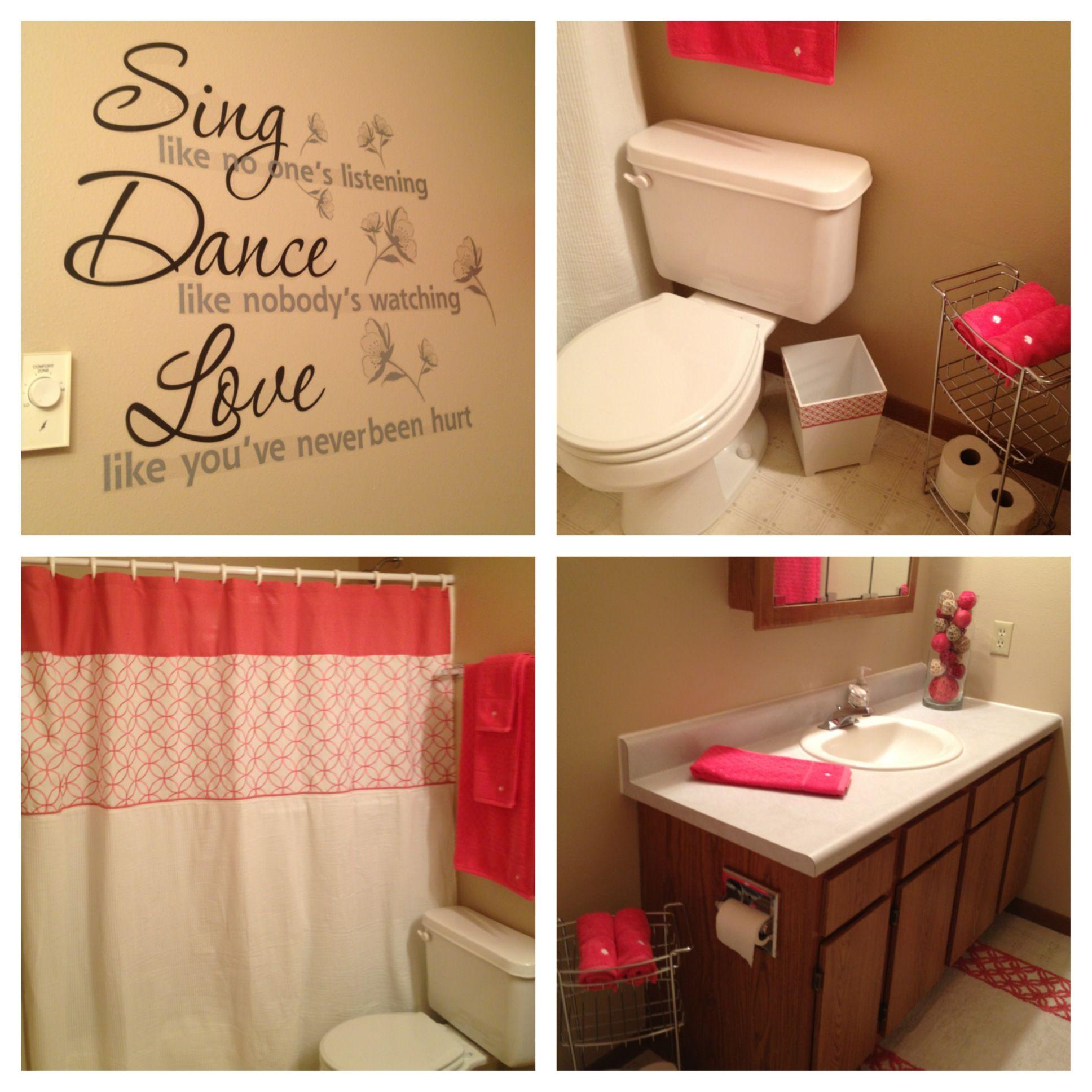 Cute Apartment Bathroom Love The Color Cute Apartment Bathroom