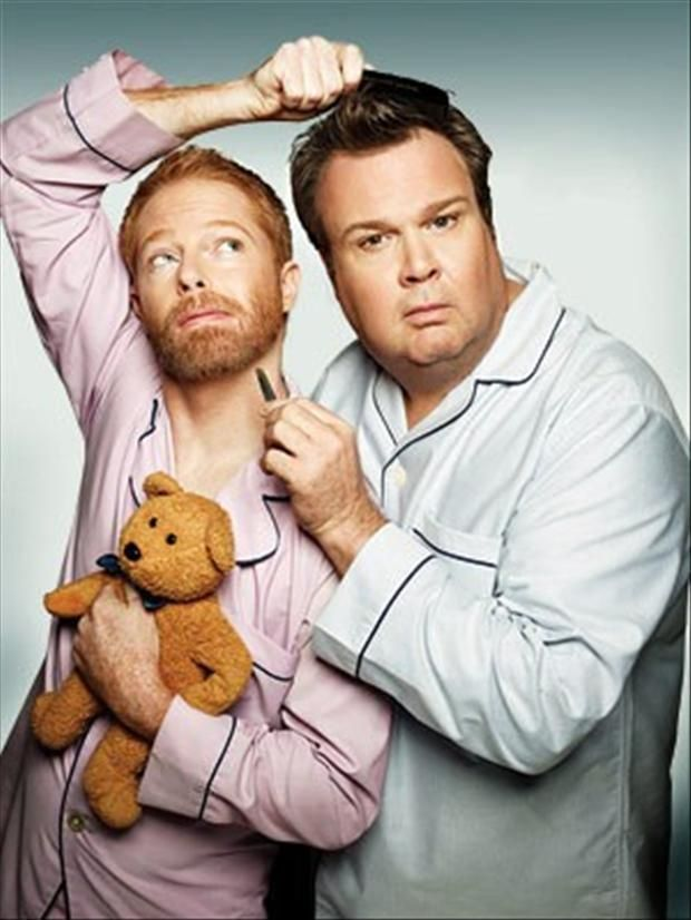 Modern Family Pictures 35 Pics Modern Family Family Funny Tv Couples