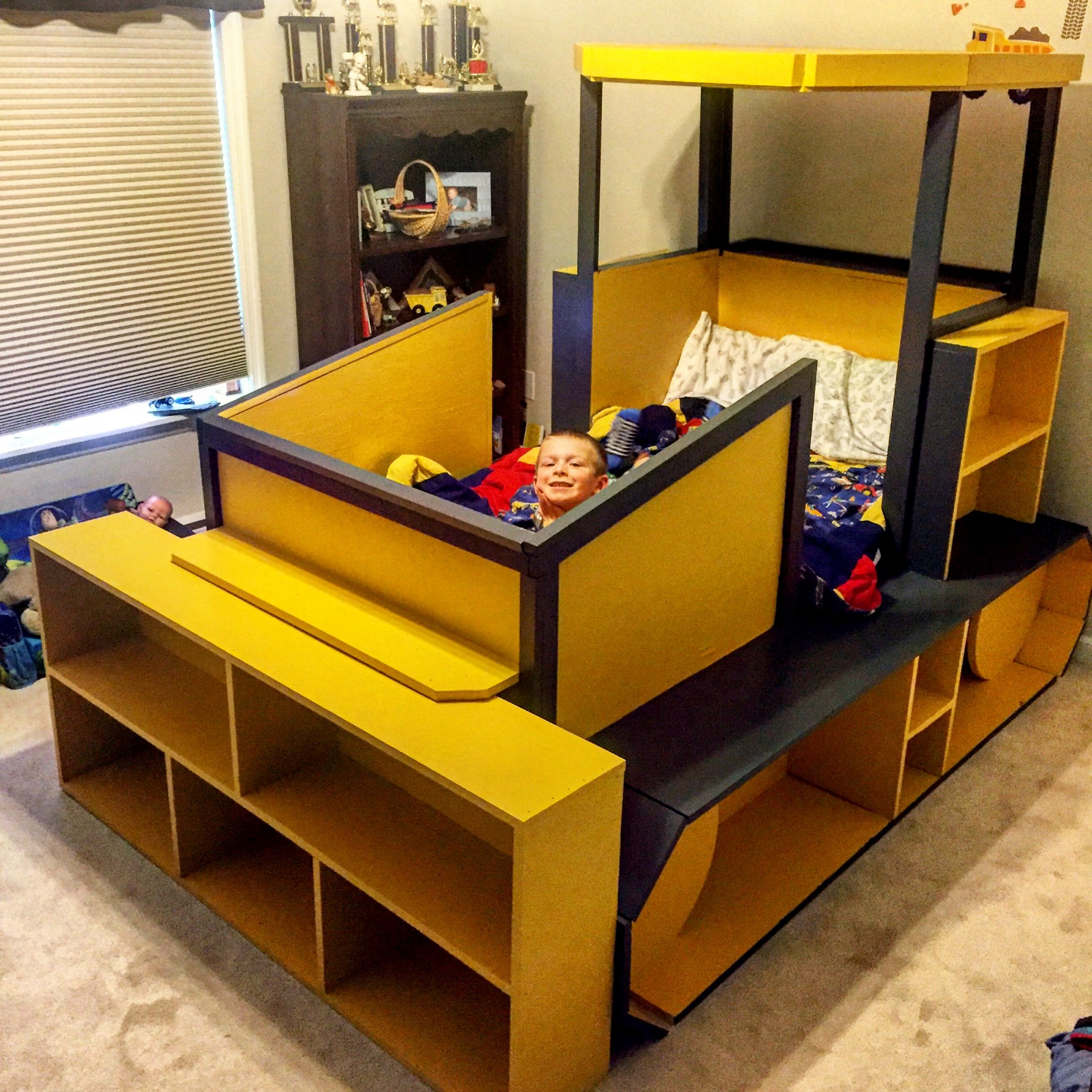 Diy kids bulldozer twin bed bulldozer bed pinterest for Futon kids room