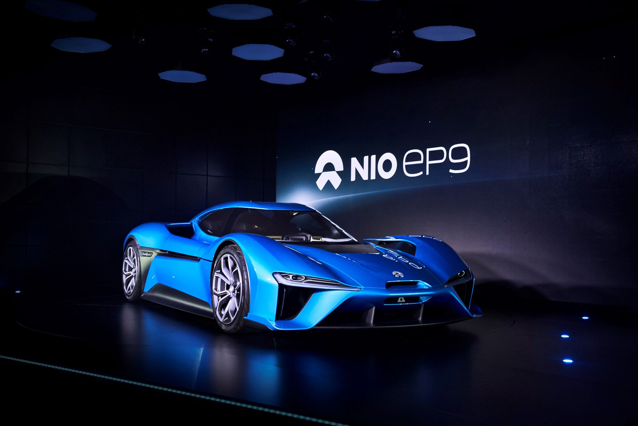 NIO EP9 Sets WorldRecord Nürburgring EV Lap Time (With