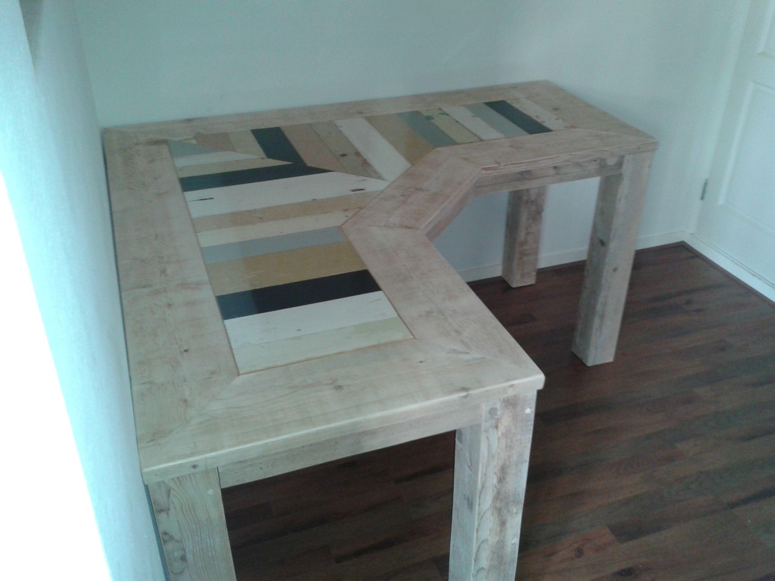 Een Sloophout Interieur : Hoekbureau van steigerhout gecombineerd met sloophout. deze