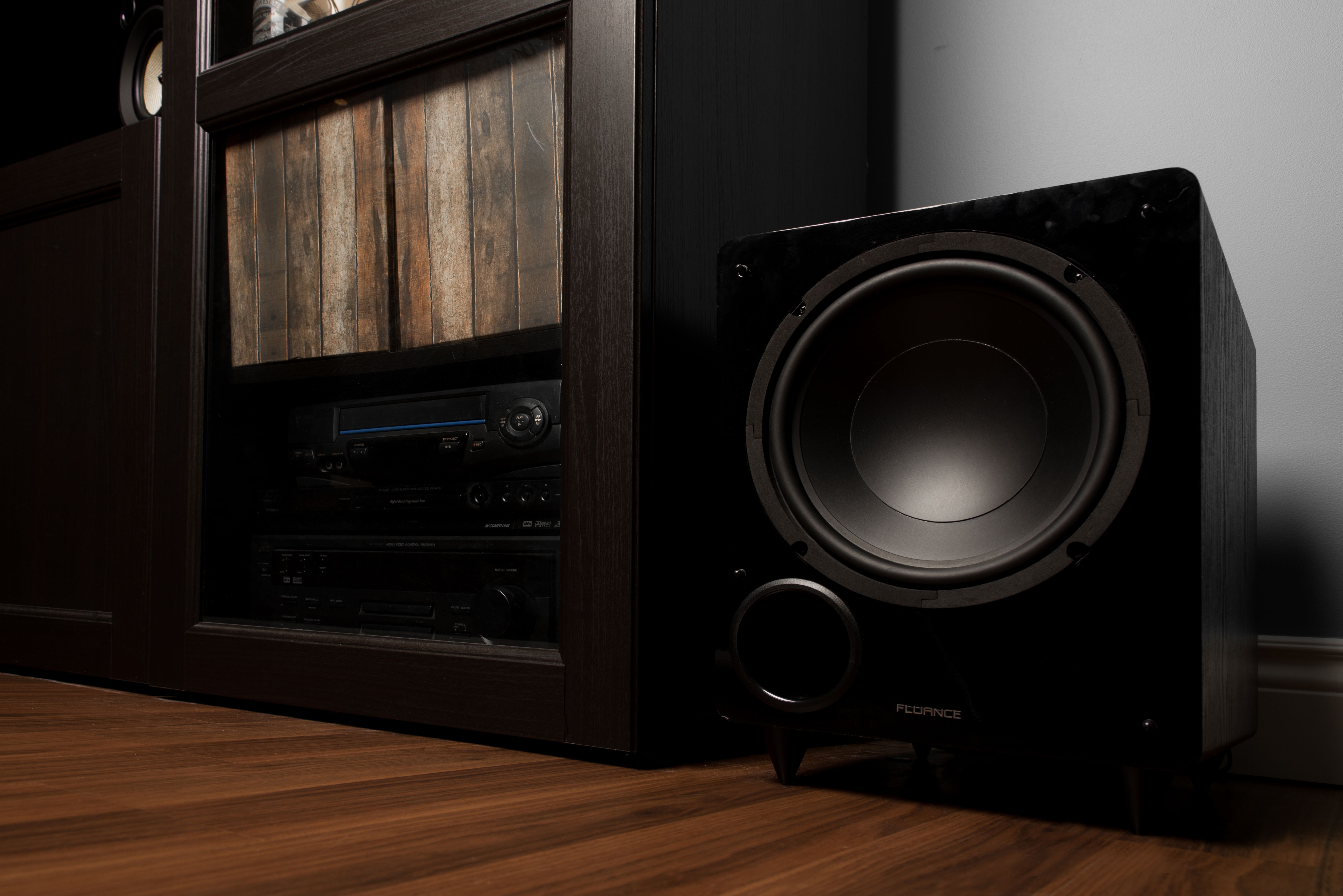 DB10 10-inch Low Frequency Ported Front Firing Powered
