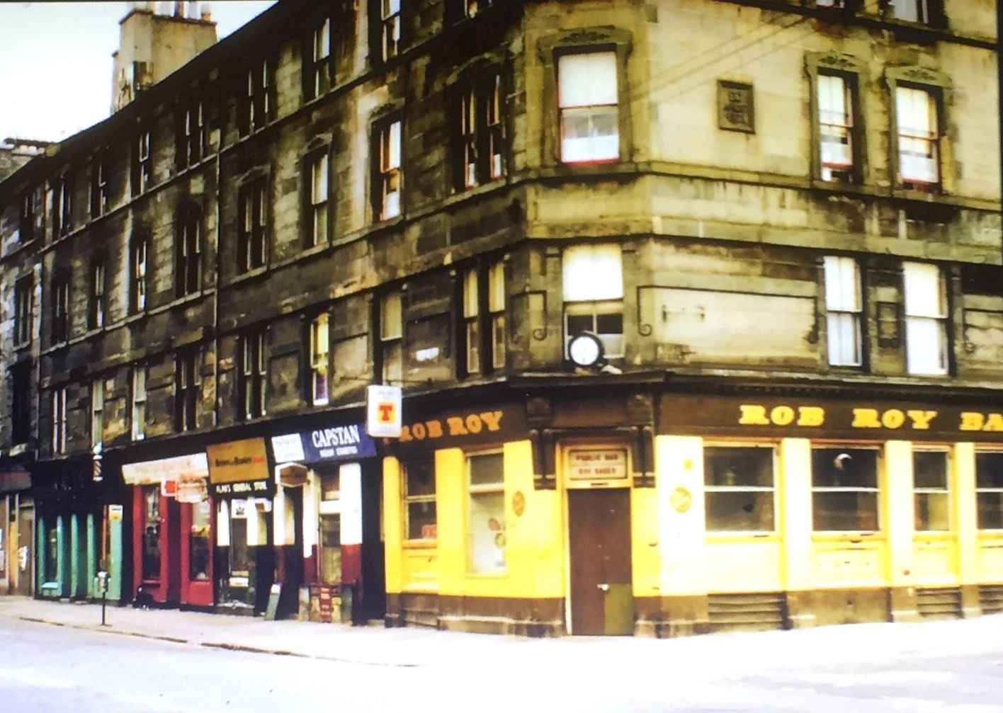 Rob Roy Bar, Govan 1976, I couldn't find copyright info for this picture. If you own it, let me know!