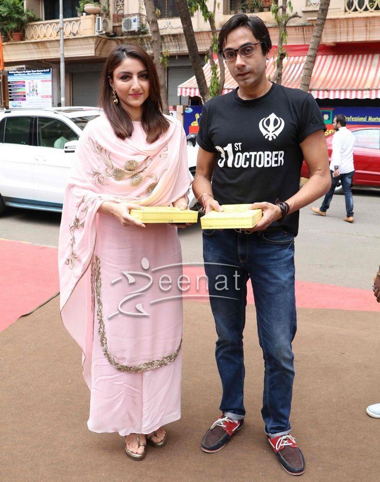 bc75b686d9d8c Soha Ali Khan in Pink Salwar Kameez | Patterns | Indian designer ...