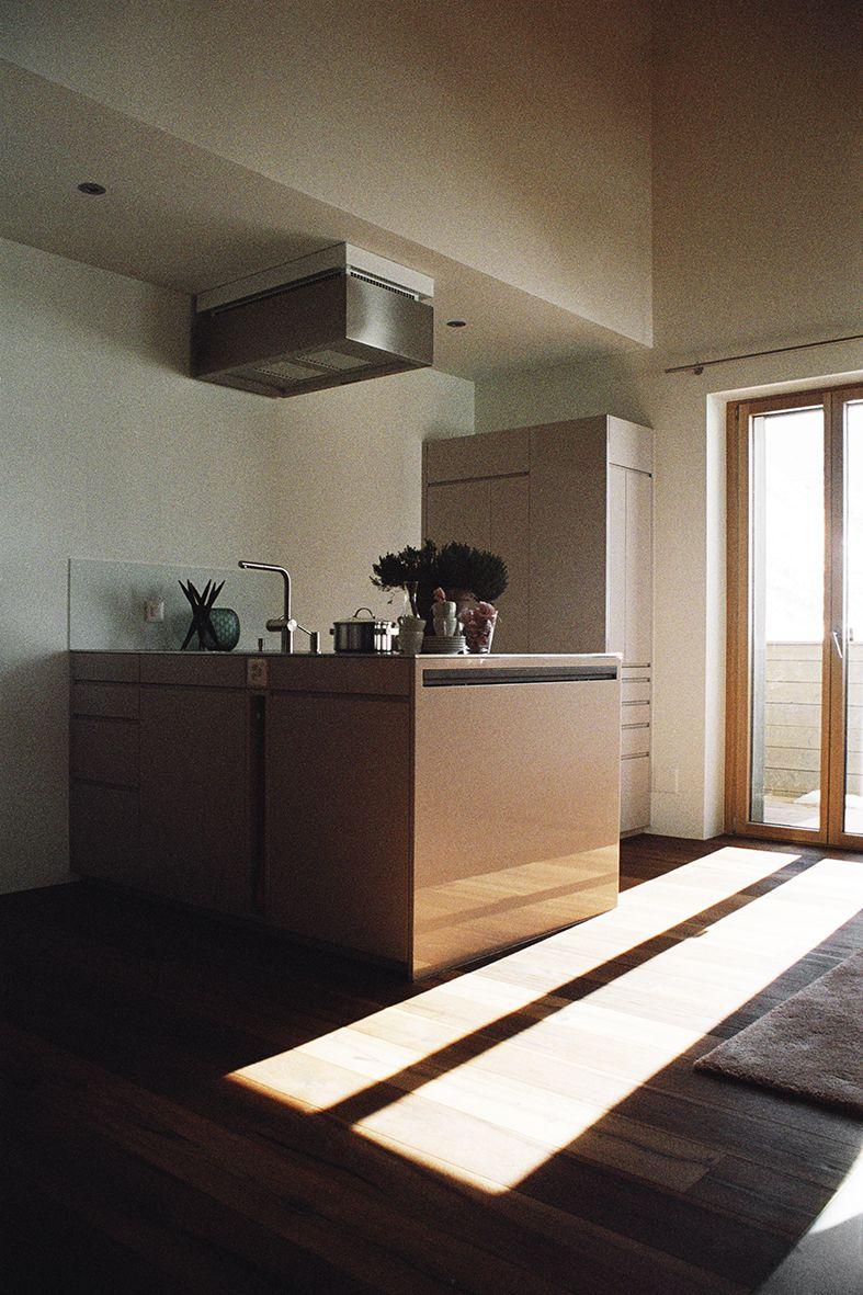 Agosti Meier I Küche farbig lackiert für Ferienwohnung in
