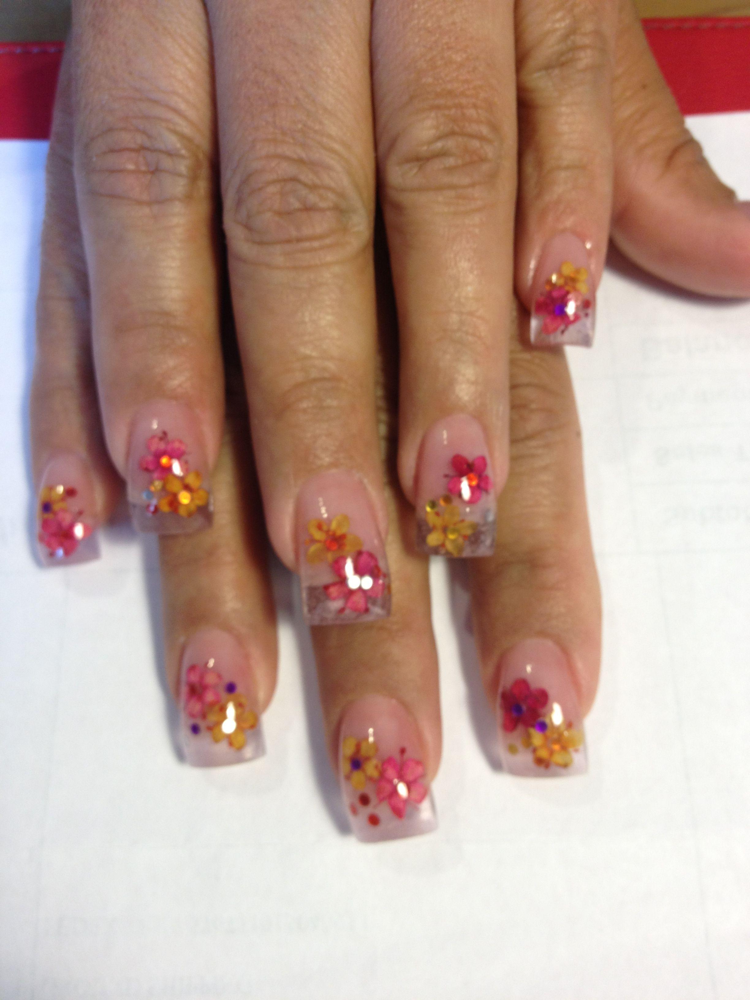 Flowers inside nails ! | Monique\'s Nails | Pinterest