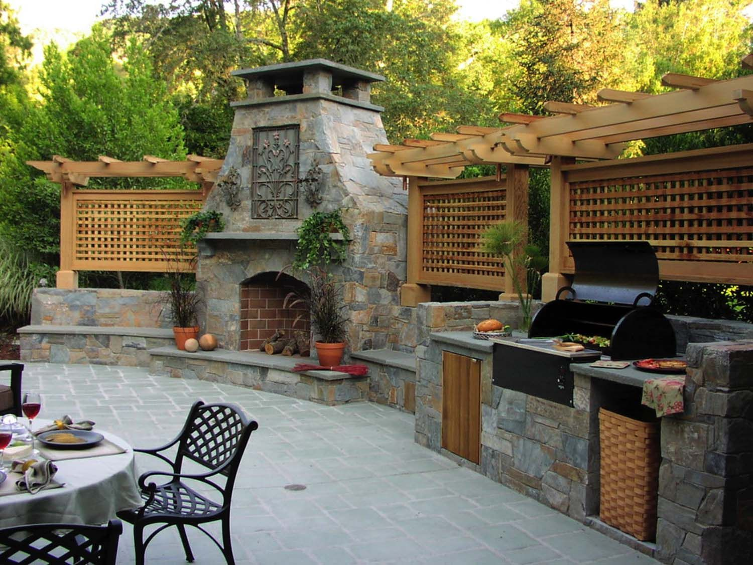 Traditional outdoor patio designs to capture your imagination