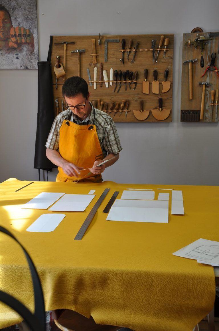Fabrication française maroquinerie de luxe. Accessoires de mode en cuir,  fait main dans notre fda01cfc9c3