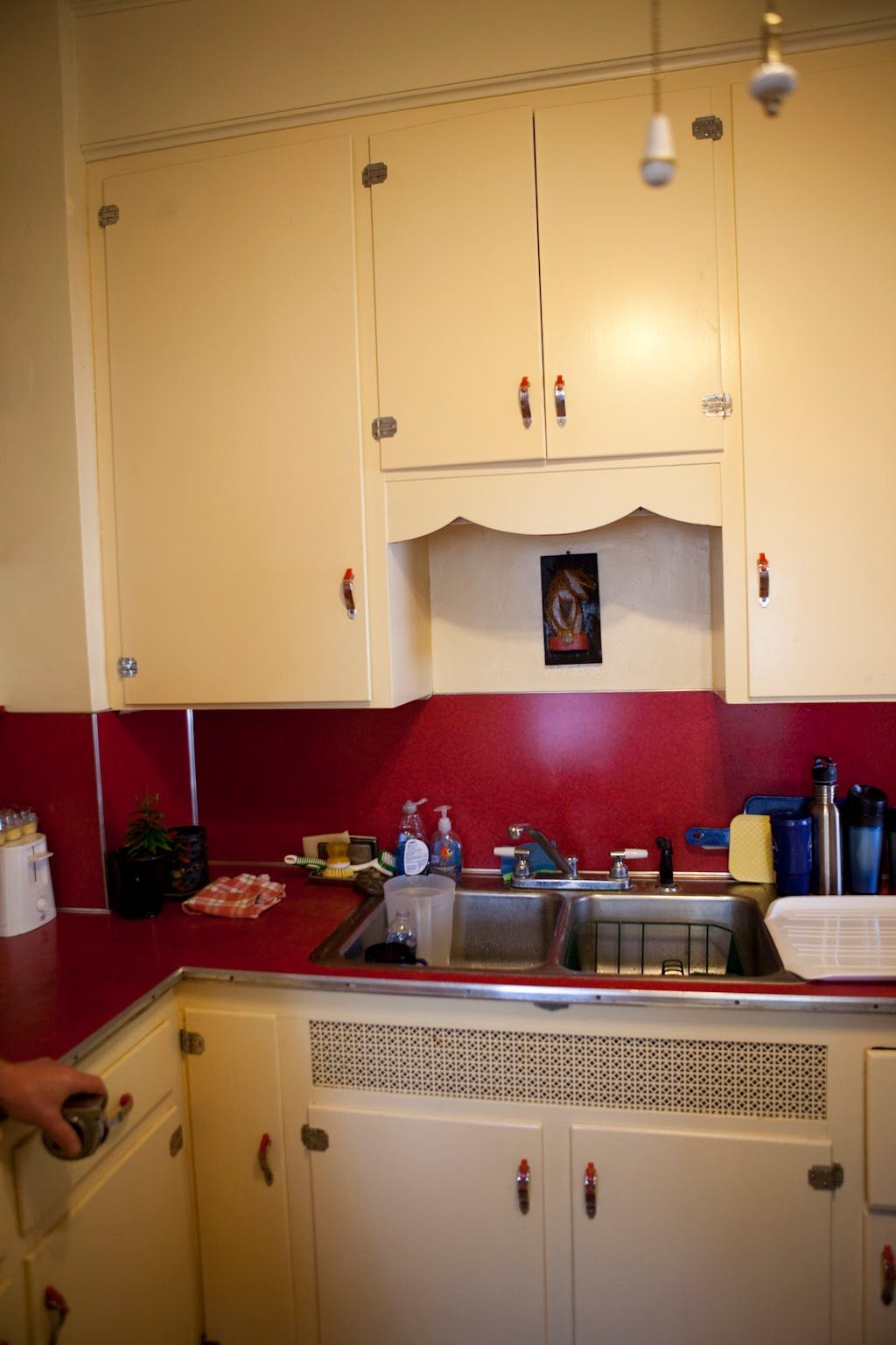 Danielle Anthony S Super Cute Retro Kitchen With Red Laminate