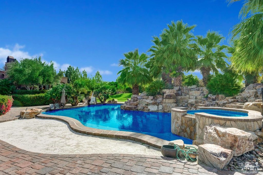 57715 Coral Mountain Ct La Quinta Ca 92253 Mls 219005071 Zillow Backyard Pool Zillow Pool Waterfall