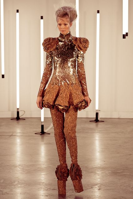 Fashion Show JANTAMINIAU by Ivo Hofland, via Flickr