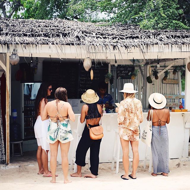 The sweetest thing on Gili Trawangan, where we ordered food, oysters, fresh juice, and wine for hours and talked story on the beach ... CASA VINTAGE HAS OUR HEARTS! #rmchawaii