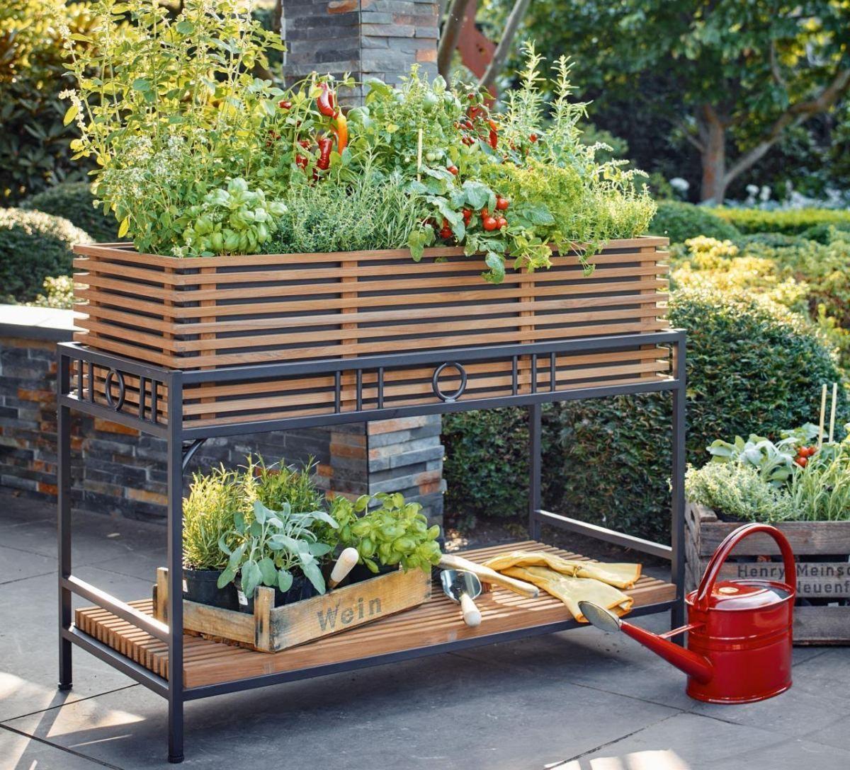 hochbeet bauen und bepflanzen so geht 39 s hochbeet aus holz hochbeet und terrasse. Black Bedroom Furniture Sets. Home Design Ideas
