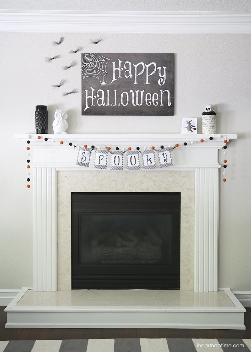 Black and white Halloween mantel + free downloads on iheartnaptime ...