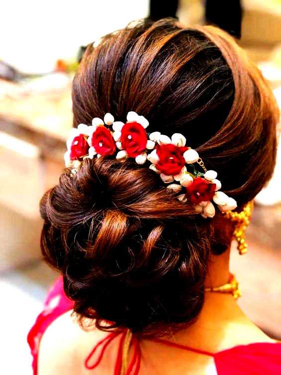 Indian Bridal Hairstyles Are Most Popular Here Are New Hairstyles For Indian Wedding Function In 2020 Bridal Hair Buns Indian Bridal Hairstyles Engagement Hairstyles