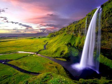 The best free jigsaw puzzles online! 🙂 #puzzle #jigsaw #jigsawpuzzles #game #puzzleonline #games #travels #Seljalandsfoss #landscape #nature #tour #Iceland #waterfall