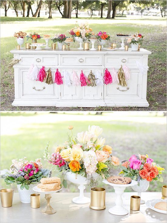 easy outdoor table decor | cake table ideas | pastel wedding ideas | floral ideas | #weddingchicks