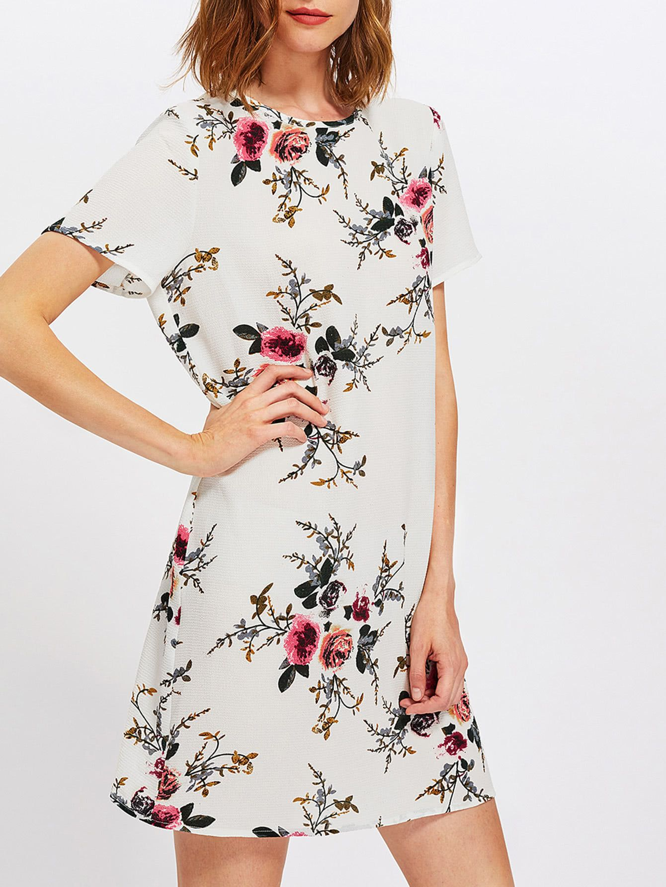 2475dbe28306c ¡Consigue este tipo de vestido informal de SheIn ahora! Haz clic para ver  los detalles. Envíos gratis a toda España. Buttoned Keyhole Back Floral  Dress  ...