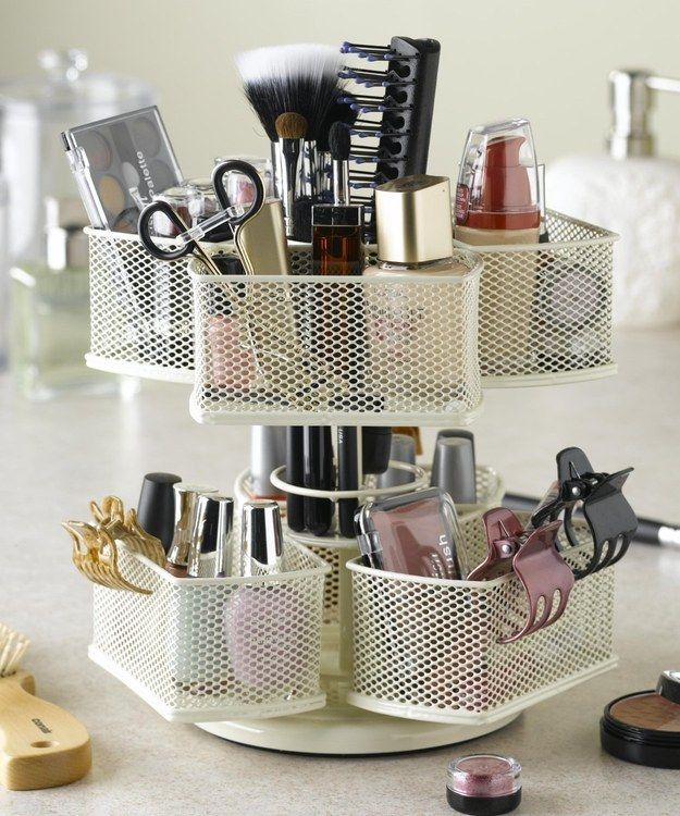 14 Ways To Organize Your Makeup When You're Completely Addicted