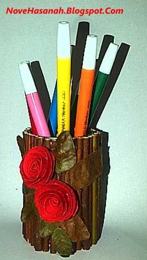 Cara Membuat Tempat Pensil Dari Bekas Kaleng Sarden Dan Ranting