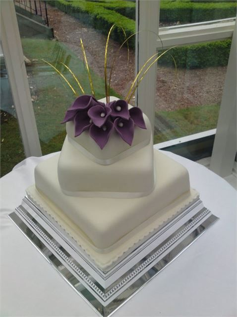 Wedding Cakes DoubleTree By Hilton Dundee