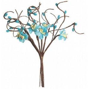 Fleurs de pommier bleu turquoise en tissu sur branches.