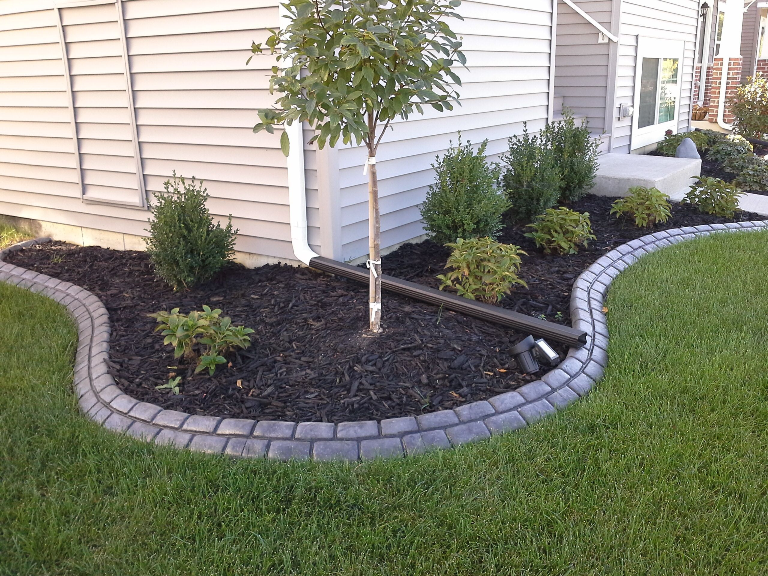 Landscaping Ideas For Small Front Yards 7467348167 Simplebackyard Front House Landscaping Front Yard Landscaping Design Landscape Ideas Front Yard Curb Appeal