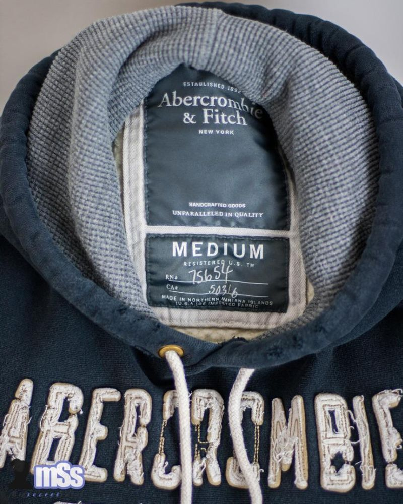Men Abercrombie And Fitch ATHL Warm Hoodie Sweater Jumper  in Navy Colour sz M