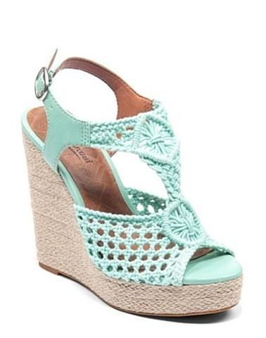 These shoes are omg SO CUTE I'd wear them with the cover dress for my board❤