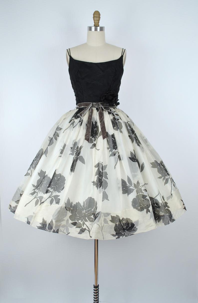Vintage 50s Black Rose Print Party Dress 1950s Floral Roses Etsy Vintage 1950s Dresses Vintage Style Dresses Mid Century Fashion [ 1217 x 794 Pixel ]
